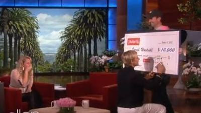 Ellen DeGeneres gives $10,000 to waitress who paid soldiers' tab -