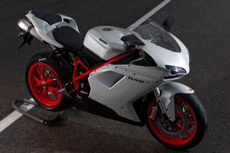 Trending Now Germany: 2012 Ducati 848 EVO Review