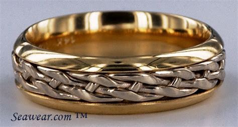 Celtic wedding ring band