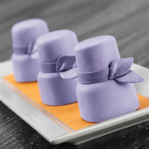 Royal Wedding Petit Fours   Wilton