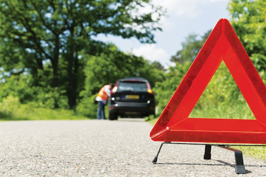 Preparing Fleet Drivers for Roadside Emergencies