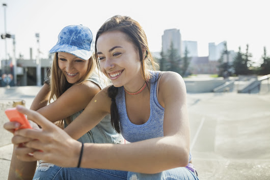 High Schools Experiment With Snapchat to Reach Teens