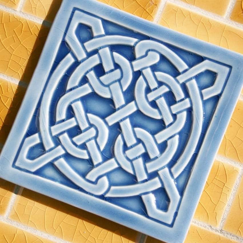 Celtic Knot in azure blue crackle glaze for by LesperanceTile