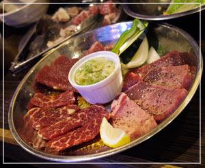 新橋「男の焼焼」にて、お肉も食べました。厚切りタンが美味しかった。
