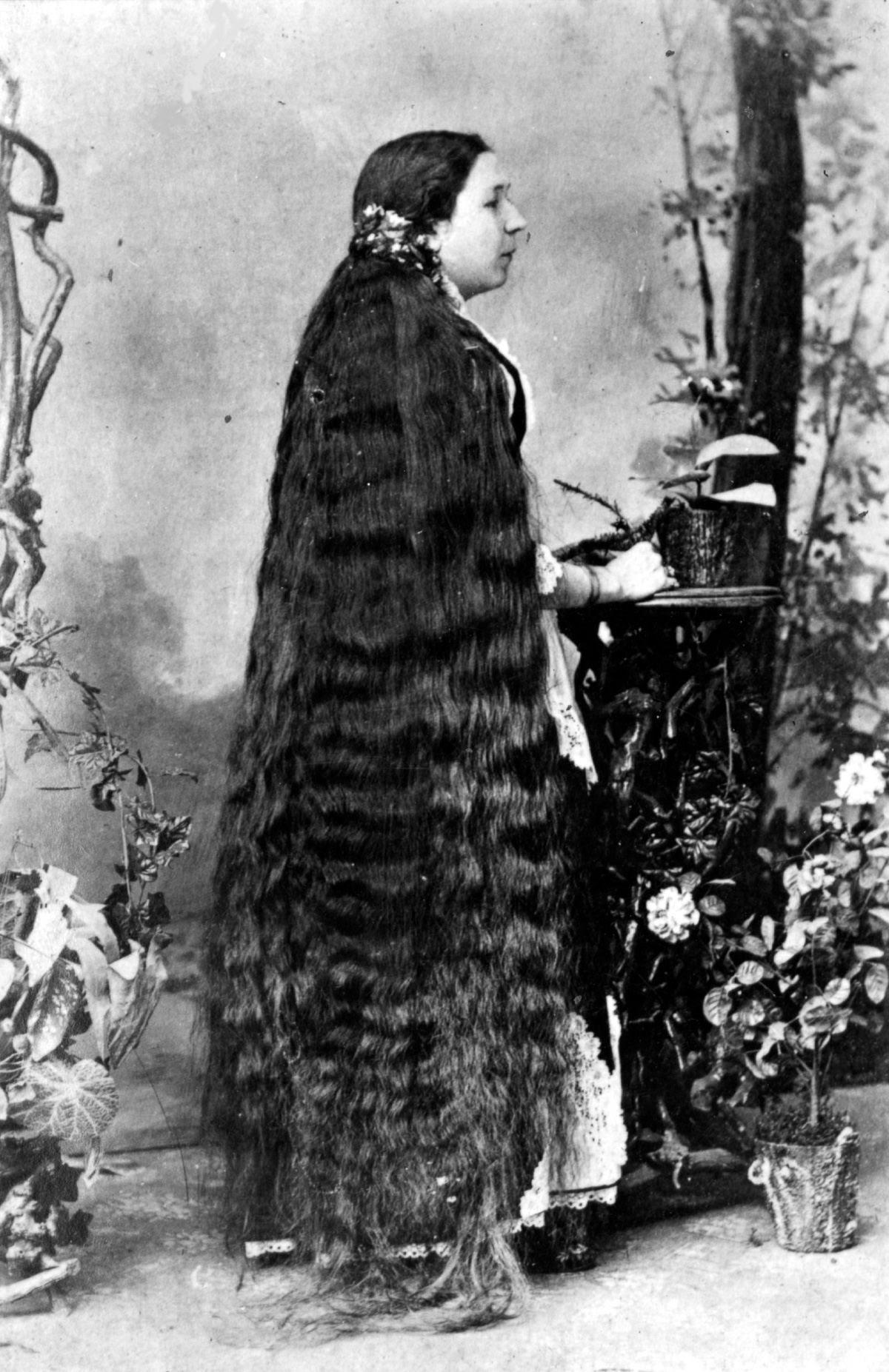 As mulheres vitorianas que nunca cortavam o cabelo 06