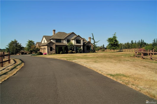 Breathtaking Home in Enumclaw! - Heilbrun Home Team