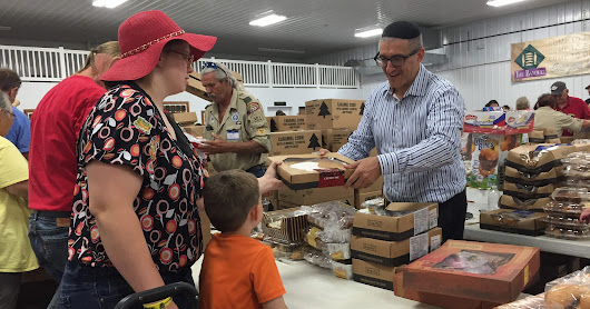 Food giveaway inspires outreach to Israel