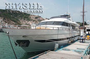 Прежняя яхта Сафиных «Разия» названа в честь матери Алсу