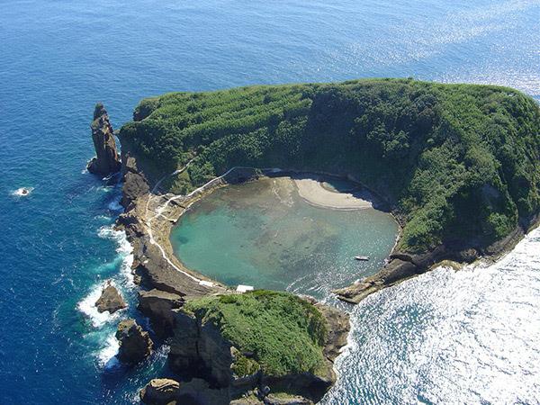 As mais belas praias de Portugal - Ilhéu de Vila Franca, São Miguel - Açores