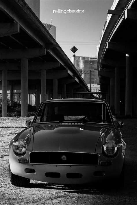 Rolling Classics: 1970 MG MGB GT Restomod | Mg mgb, Bmw