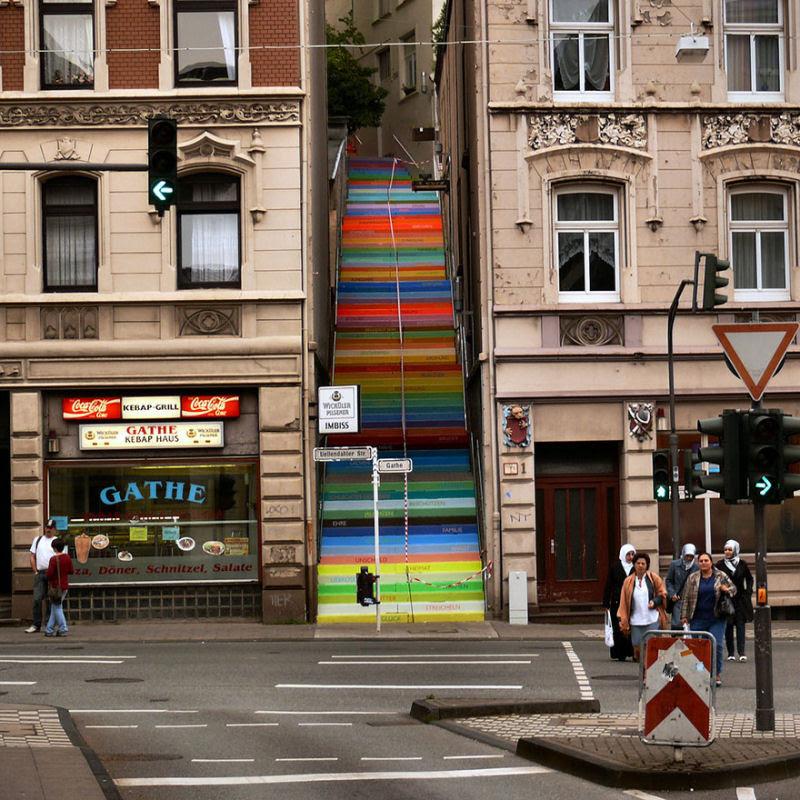 17 escadarias com as mais belas decorações urbanas do mundo 07