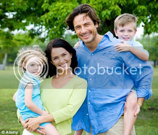 photo traditional-family2_zpsaf234c1d.jpg
