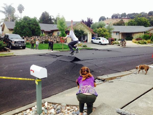 vicky nguyen on Twitter: Meadowbrook Lane in Napa-- skaters finding upside to quake damage. Photo from #nbcbayarea photog Jeremy Carroll