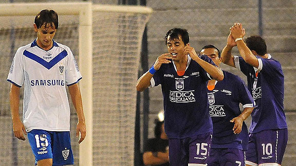 VELEZ SARSFIELD 1 - DEFENSOR SPORTING 3
