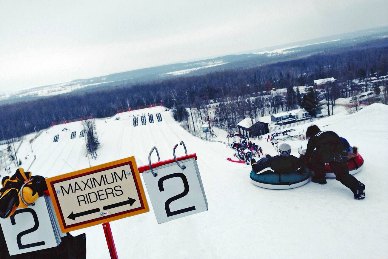 7 amazing hills for snow tubing near Toronto