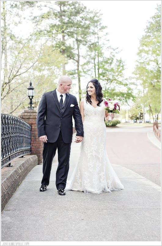 Mr. & Mrs. Tew: River Landing Country Club Wedding - Just a Dream Photography: Charlotte, NC Wedding Photographers