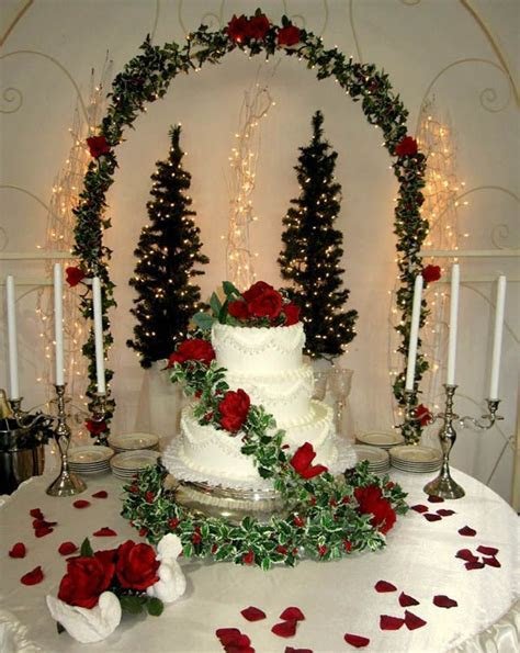 25  best ideas about Christmas Wedding Cakes on Pinterest