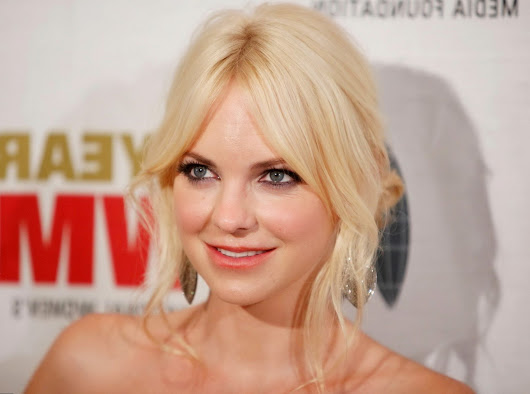 How much money Anna Faris has?