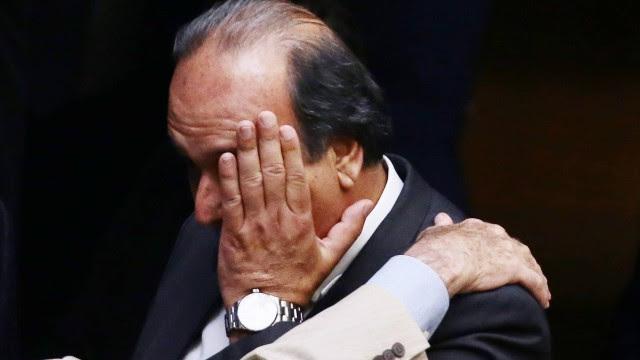 O governador do Rio, Luiz Fernando Pezão (PMDB), durante a sessão que deveria ter votado o pacote de ajuda aos estados