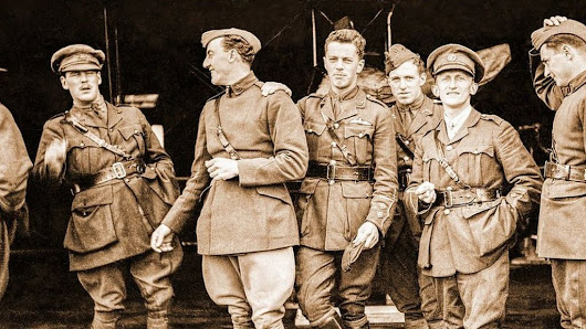Pilot's war images developed 100 years on - BBC News