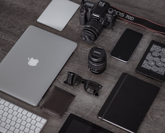 The Best Gadgets for Travel Bloggers - The Traveloid