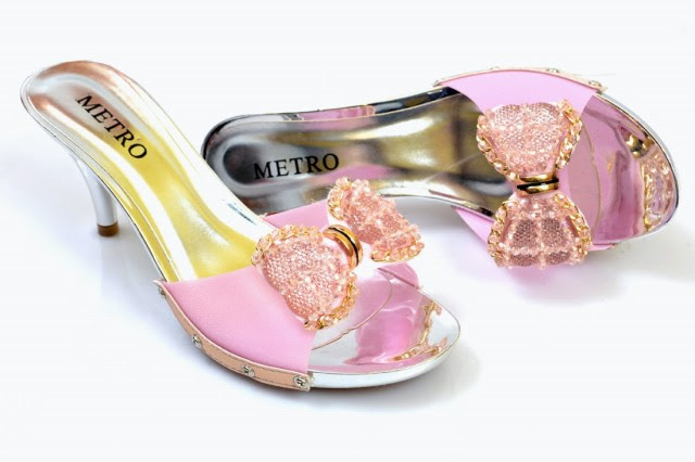 Girls-Womens-Beautiful-Fancy-High-Shoes-Eid-Footwear-Collection-2013-by-Metro-Shoes-2