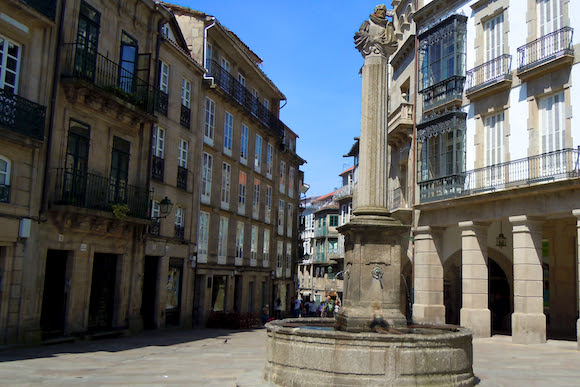 fuente estatua de Santiago de Compostela Galicia España, Camino de Santiago