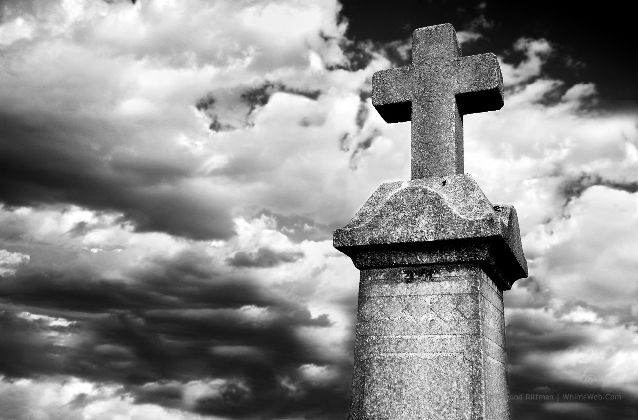 Cross and Clouds Springwood Cemetery Greenville SC Black and White HDR Photography Rittman Top 10 Best Photoblogs Photography