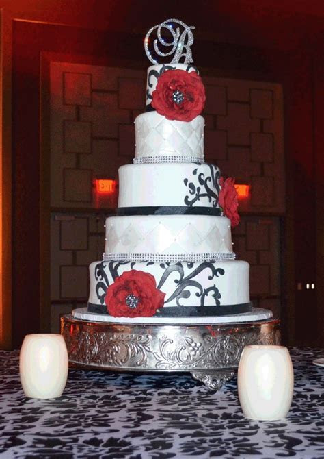 17 Best ideas about Old Hollywood Cake on Pinterest