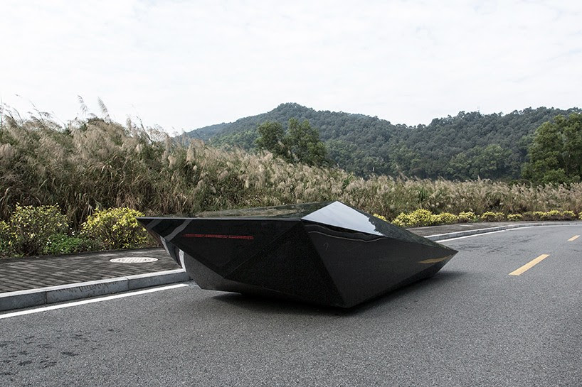united-nude-lo-res-car-designboom-04
