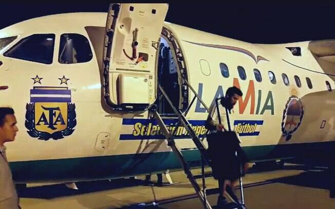Seleção da Argentina chega a Belo Horizonte com avião da LaMia, o mesmo que caiu com a Chape