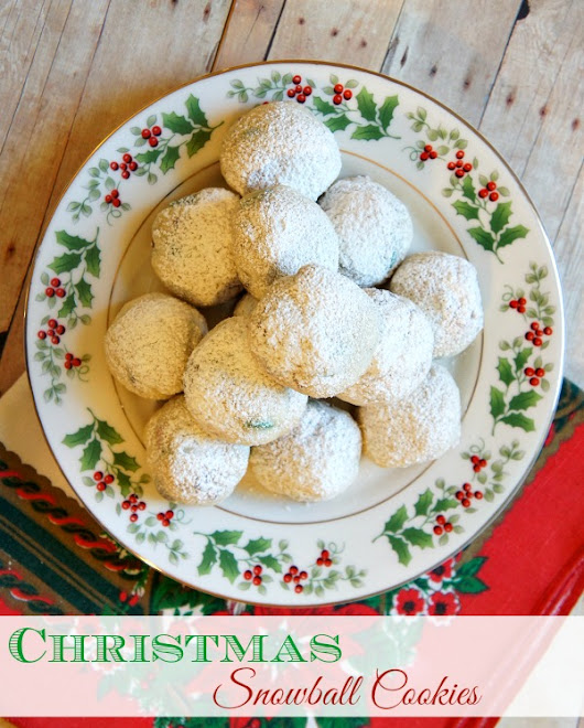 Easy Homemade Christmas Snowball Cookies Recipe - The Rebel Chick