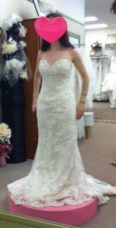 Please help me choose my dress!