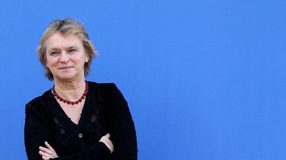 SRF: «NZZaS»-Kritiker Manfred Papst attackiert Elke Heidenreich