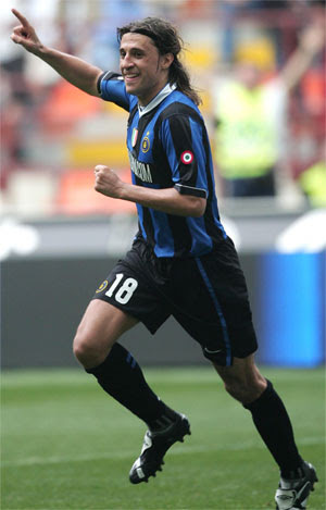 Inter Milan's Hernan Crespo celebrates