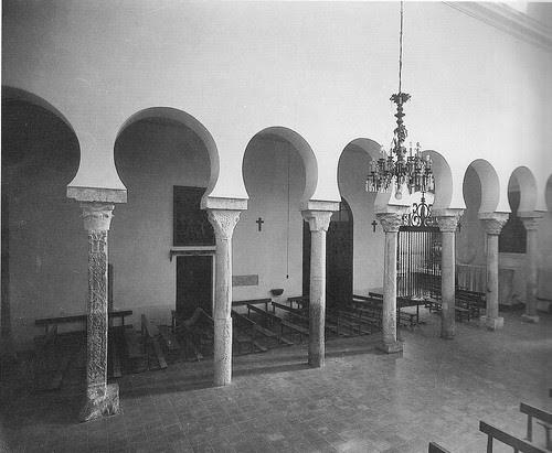 Interior de la Iglesia de El Salvador de Toledo a principios del siglo XX. Archivo Rodríguez
