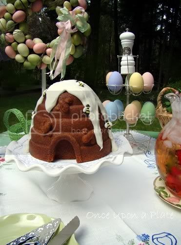Beehive Bundt Cake