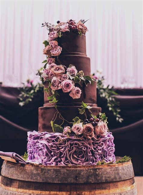 20 Amazing Wedding Cakes Perfect For Your Big Day   Weddbook