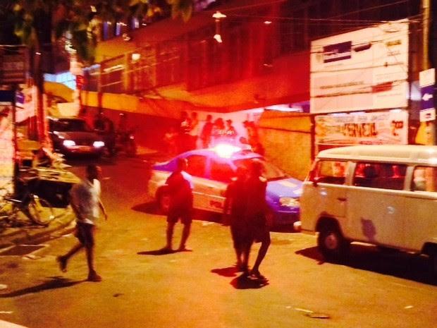 Muitos tiros foram ouvidos na noite desta sexta-feira em Copacabana (Foto: G1)