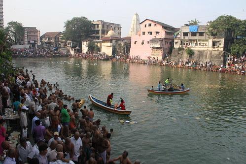 Pitru Paksh Banganga 2012 by firoze shakir photographerno1