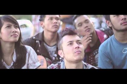 """Marzuki Mohamad/killthedj 'Bagaikan Air"""" Iklan Aqua"""