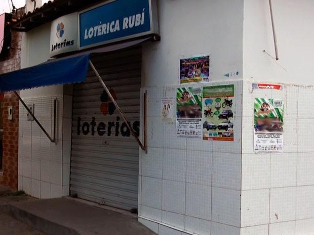 """Loterias """"Rubi"""" está fechada há mais de três meses em Teofilândia (Foto: Henrique Mendes / G1)"""