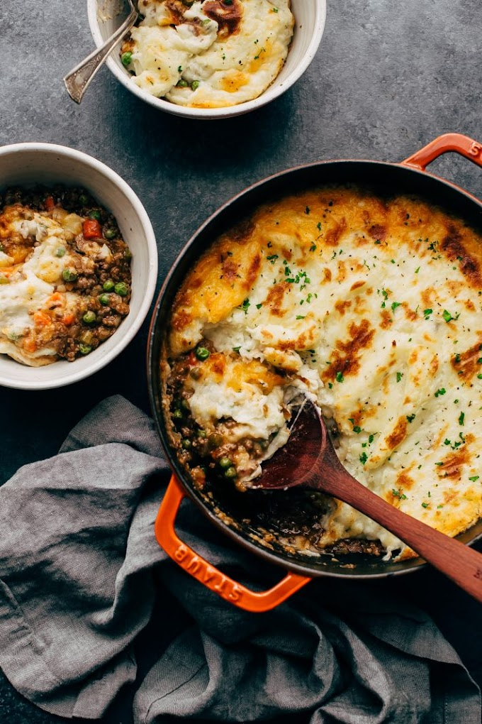 EASY RUSTIC SHEPHERD'S PIE WITH THE CHEESIEST MASHED POTATOES