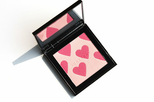 BURBERRY FIRST LOVE PALETTE BLUSH HIGHLIGHTER - Face to Curls