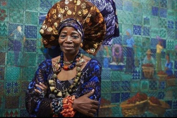 PHOTO: Meet Mrs Nike Okundaye, A Lecturer At Harvard Without Formal Education