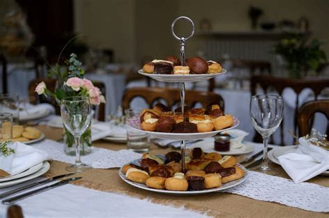 Wedding Catering: Cheap Alternatives To A Wedding
