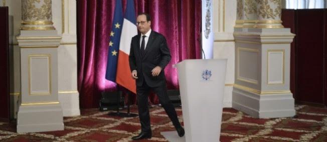 François Hollande est lâché par tous, y compris par ses proches.
