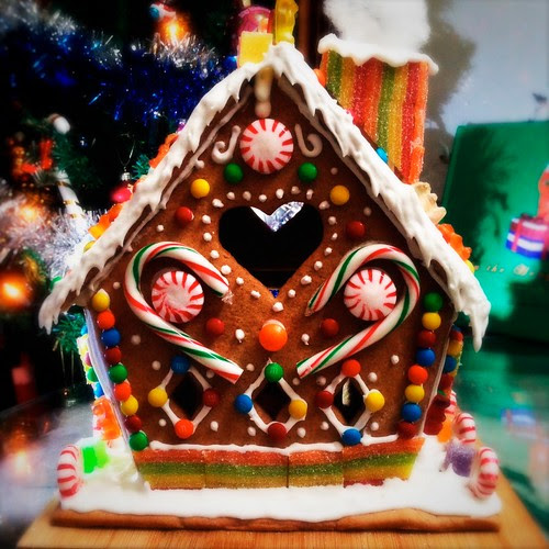Make Your Own Gingerbread House | Day 3