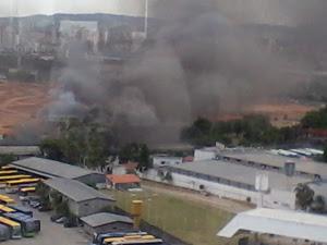 Incêndio na Mocidade Alegre (Foto: Rogerio Vilela de Paulo/VC no G1)
