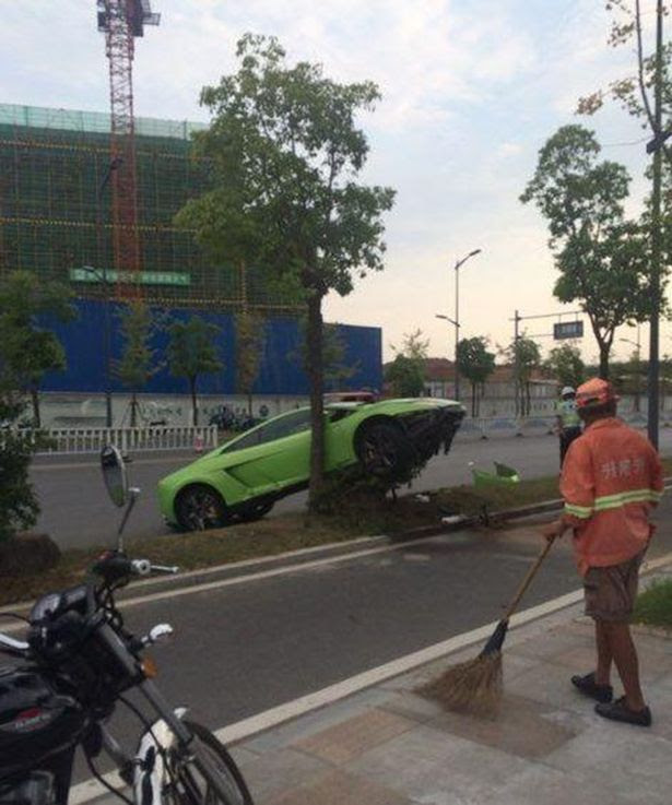 Man Crashes Rented Lamborghini As He Tries To Impress Woman He Met At A Bar